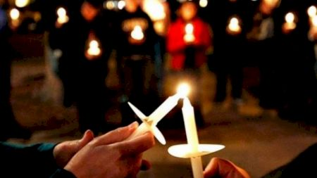 Ce restricții vor fi anulate în noaptea de Înviere. La ce oră se va termina slujba