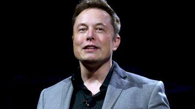 Cât costă cea mai rapidă mașină Tesla din lume. Elon Musk a anunțat lansarea noului model