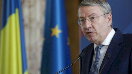 A murit George Ciamba, Ambasadorul României la Atena. Lui i s-a reproșat gafa cu testele PCR pentru intrarea turiștilor în Grecia