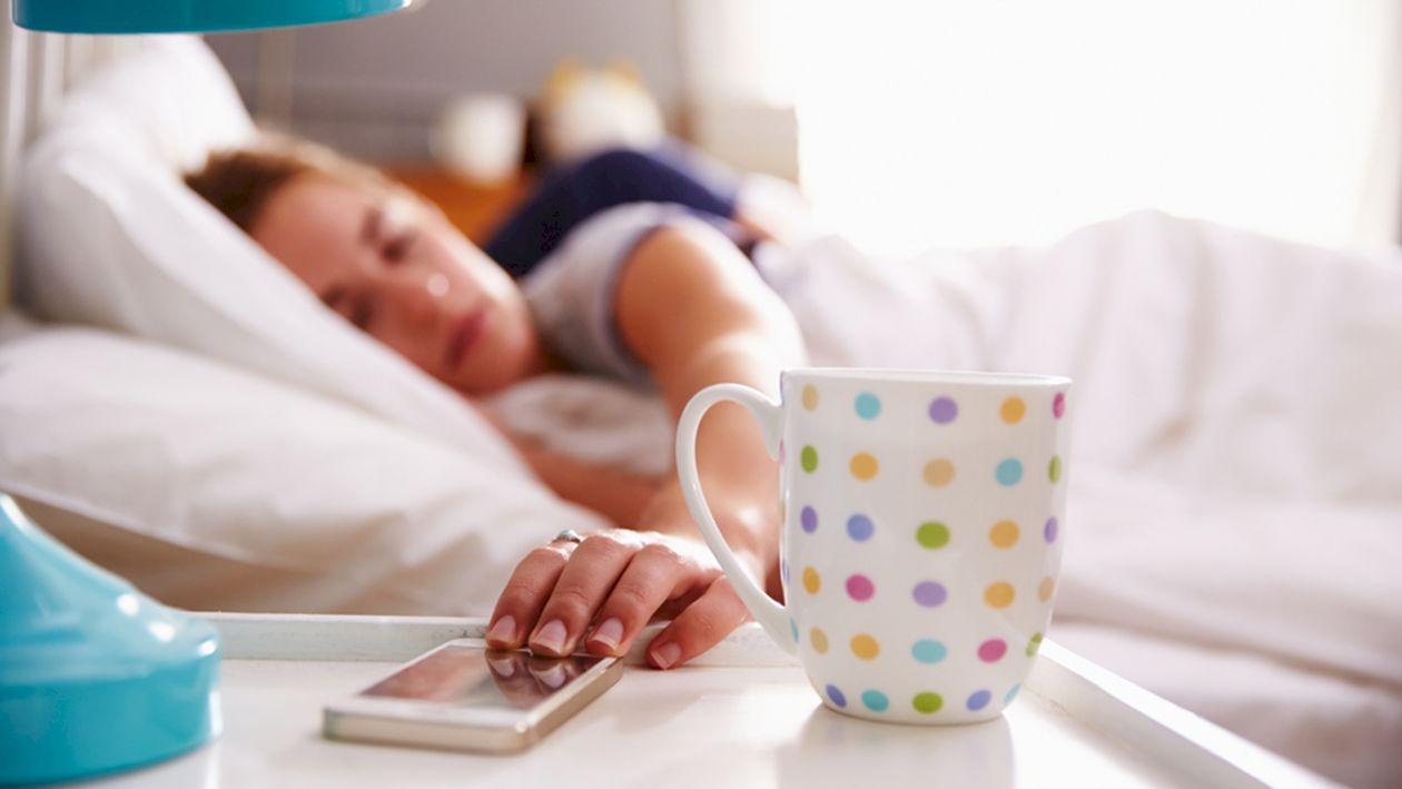 Slăbește în timp ce dormi! Alimentele pe care trebuie să le consumi înainte de culcare. Caloriile se ard noaptea
