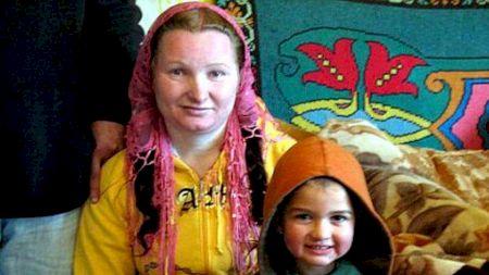 Cum a ajuns o fată cea mai tânără bunică din lume. E din România și are doar 23 de ani